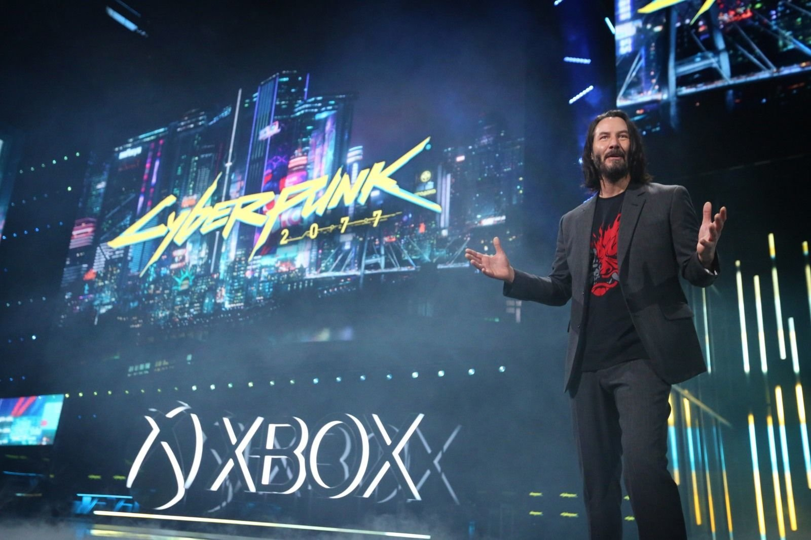 Reeves' appearance made many fans very happy (Photo: Casey Rodgers/Invision for Xbox/AP Images)